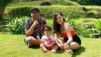<p>Saat liburan bersama keluarga di Ubud, Bali. Seru banget ya? (Foto: Instagram @sammysimorangkir)</p>