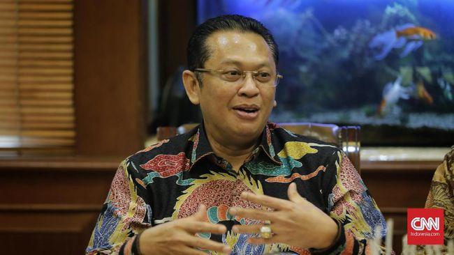 Ketua MPR Bambang Soesatyo menyebut semestinya pemerintah memprioritaskan kesehatan dalam mempertimbangkan kelanjutan Pilkada 2020.