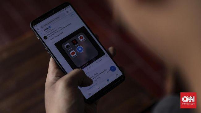Ilustrasi Twitter, Rabu, 27 November 2019. Layanan jejaring sosial berlogo burung biru ini dikabarkan akan menghapus akun yang sudah tak aktif selama lebih dari enam bulan mulai 11 Desember. CNN Indonesia/Bisma Septalisma