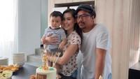 <p>Throwback ketika ulang tahun Geva. Semoga selalu sehat dan bahagia, Sammy Simorangkir dan keluarga! (Foto: Instagram @sammysimorangkir)</p>