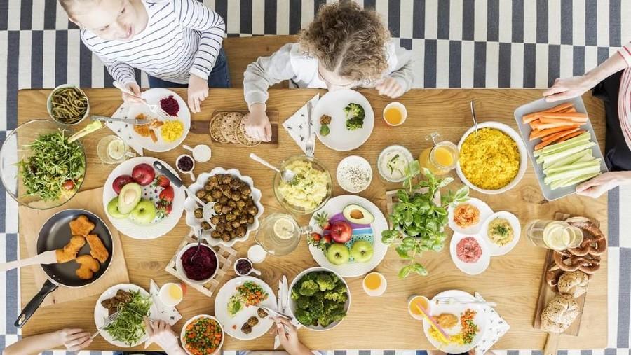 10 Makanan yang Bantu Tingkatkan Kecerdasan Anak