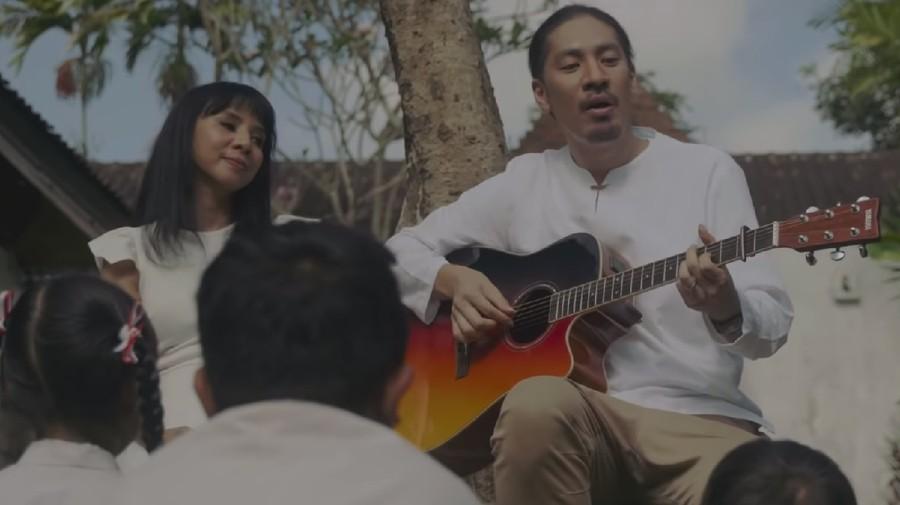 Duet Romantis Arina Ephipania dan Hiroaki Kato Pada Lagu 'Nada Sousou'