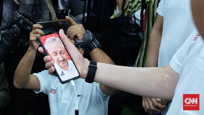Anggota Komisi I DPR RI Sukamta berharap agar pemerintah jangan terburu-buru mengadopsi teknologi jaringan 5G.