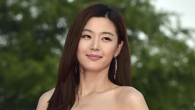 Jun Ji-hyun mengatakan terlibat dalam serial Kingdom karena merupakan penggemar penulis Kim Eun-hee.