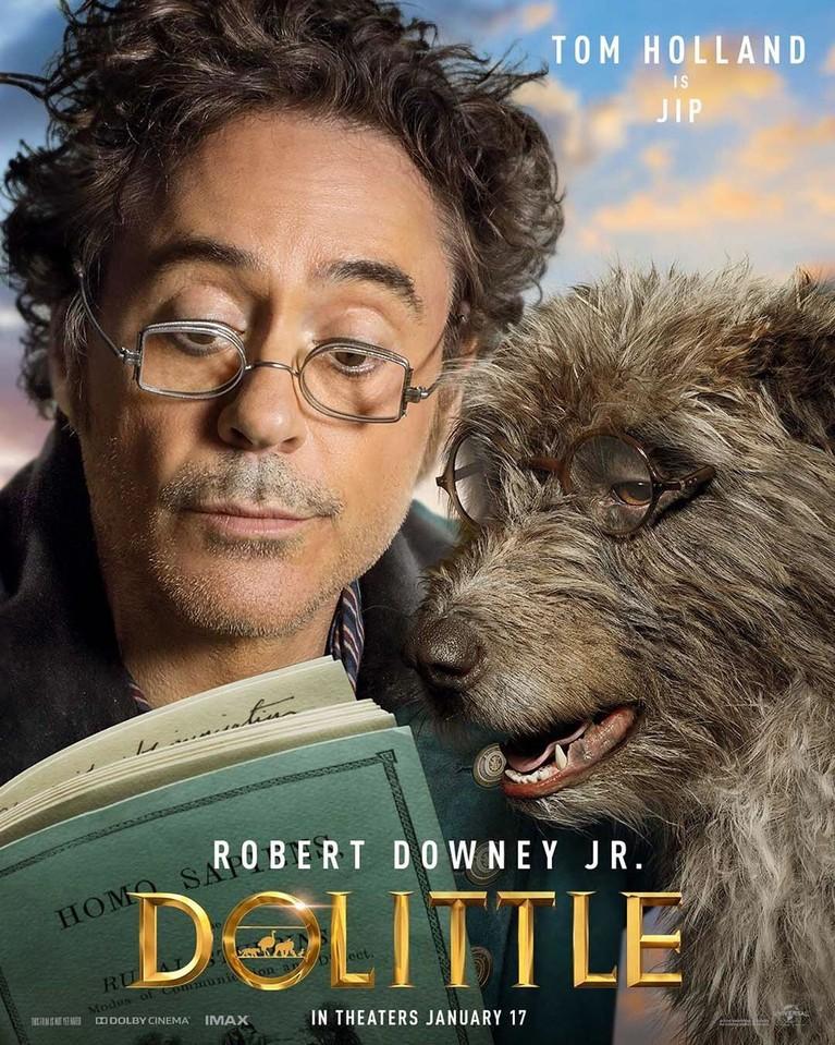 Robert Downey Jr berperan sebagai Dr. John Dolittle dalam film animasi komedi Dolittle. Robert juga mengunggah poster penampakan sejumlah karakter di Instagram.