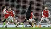 Dua klub besar Liga Inggris, Manchester United dan Arsenal, mengalami kekalahan pada laga Liga Europa.