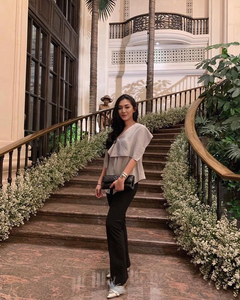 Shania Salsabila, anak sulung dari Sarita Abdul Mukti dan juga kakak dari Shafa Harris mendadak jadi sorotan usai membuat Hotman Paris terpana di Instagram.