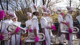 Macy's Thanksgiving Day Parade dirayakan setiap akhir tahun di New York, Amerika Serikat untuk menyambut Natal.