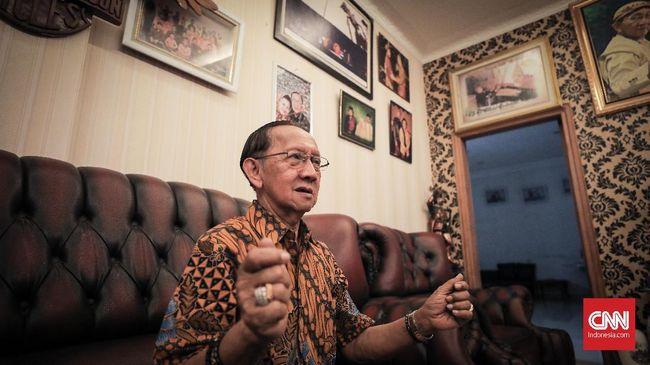Pernah susah makan saat kecil, kehidupan dewasa Ki Manteb Sudarsono sebagai dalang cukup berlimpah. Ia memilih patuh ke mendiang istri soal manajemen keuangan.