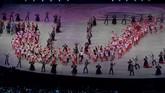 Kontingen Indonesia melakukan defile dalam pembukaan SEA Games 2019. Indonesia sudah memastikan satu medali emas sebelum pembukaan melalui polo air putra. (ANTARA FOTO/Nyoman Budhiana)