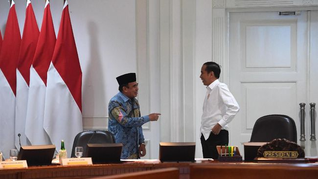 Presiden Jokowi sempat rapat bersama Menag Fachrul Razi yang terkonfirmasi positif Covid-19 pada 7 September lalu.