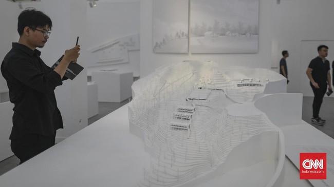 Pameran PRIHAL memiliki dua ide besar. Pertama adalah peran rancangan-rancangan andramartin terhadap berbagai dimensi ruang di Indonesia, yang kedua adalah tentang penciptaan, pengelolaan dan pembinaan desain arsitektur itu sendiri. (CNN Indonesia/Bisma Septalisma)