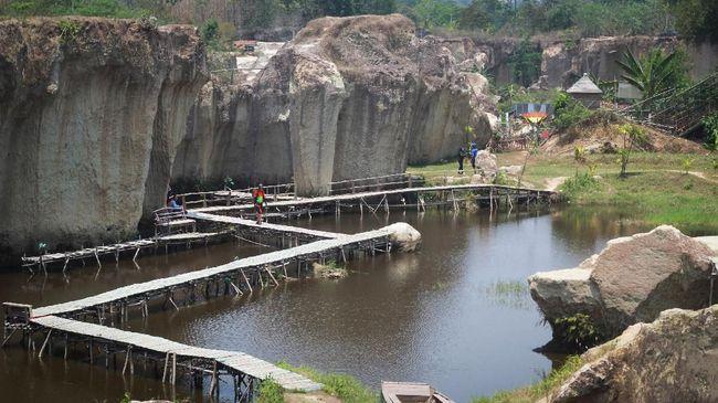 Berlibur ke Tebing Koja bisa menjadi pilihan bagi yang ingin mengeksplor kawasan Tangerang selain ke mall atau kafe.