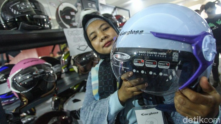 Ada helm khusus untuk wanita pemakai hijab nih. Apa saja fiturnya?
