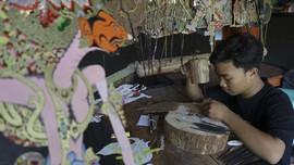 FOTO: Di Balik Ukiran Indah Wayang Indonesia