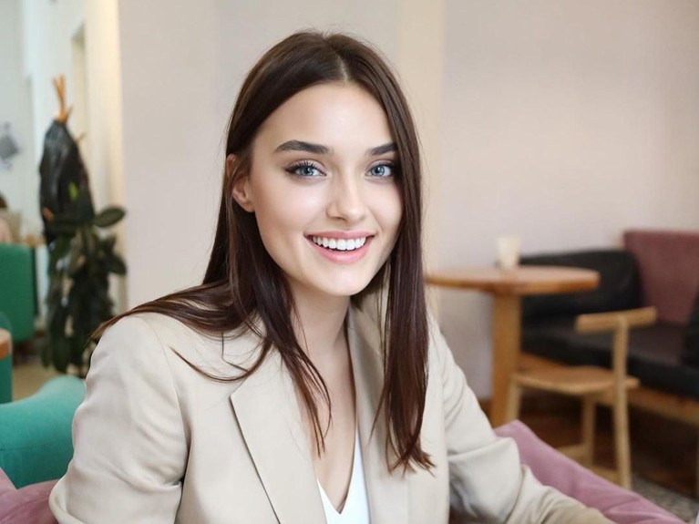 Veronika Didusenko didiskualifikasi dari kontes kecantikan Miss World lantaran diketahui dirinya merupakan janda anak satu. Berikut 7 pesona cantiknya!
