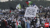 Massa Gerakan 212 kembali menggelar reuni pada Senin (2/12) dengan salah satu agenda, mendoakan kepulangan Imam Besar FPI Rizieq Shihab.