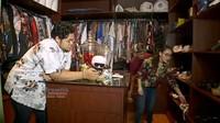 <p>Kalau ini ruangan Ivan Gunawan khusus menyimpan pakaian dan sepatu, yang harganya juga selangit. (Foto: YouTube Brownis Trans TV)</p>
