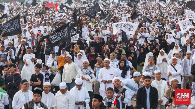 Umat Muslim diimbau menaati aturan dari pemerintah untuk menjauhi kerumunan dan menerapkan protokol kesehatan demi terbebas dari Covid-19.