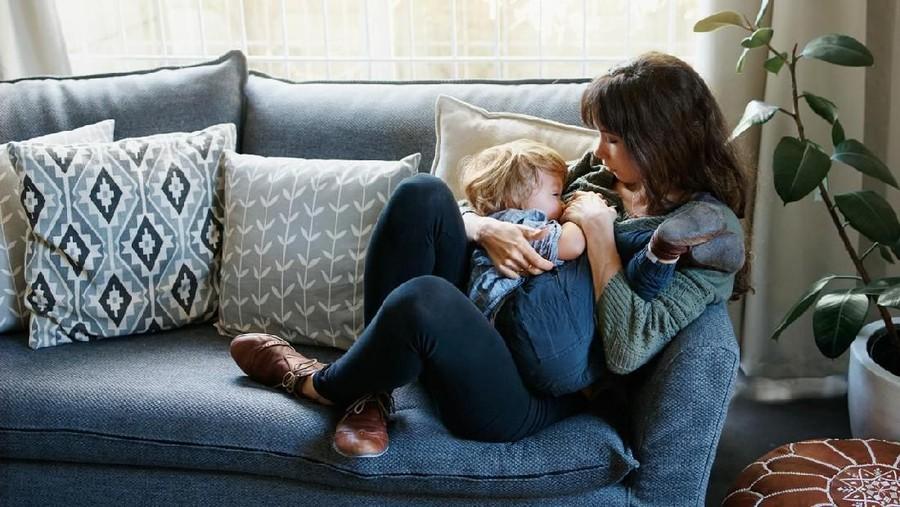 Ibu Terinfeksi Hepatitis B, Bolehkah Menyusui?