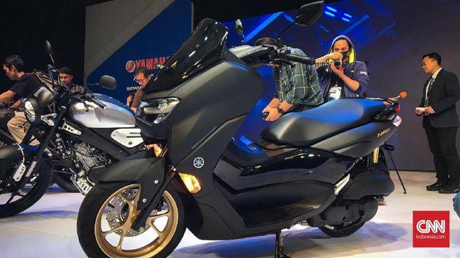 Yamaha Nmax dipasarkan di Indonesia pada 2014 dengan harga relatif 'terjangkau', yang saat itu Honda PCX masuk Indonesia dengan harga di atas Rp30 juta.