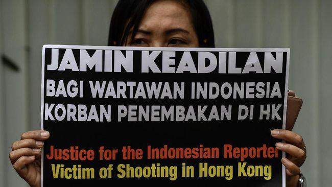 Jurnalis asal Indonesia yang tertembak peluru karet di Hong Kong, Veby Mega Indah (39), menyatakan masih menyimpan keinginan untuk melanjutkan pekerjaannya.