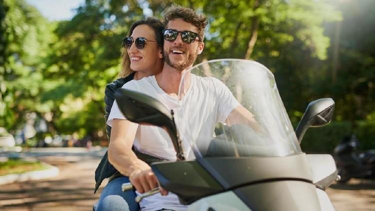 Ketika hamil muda, Bunda akan sangat berhati-hati, termasuk dalam berkendara, seperti naik motor. Apakah aman ibu hamil muda naik motor?