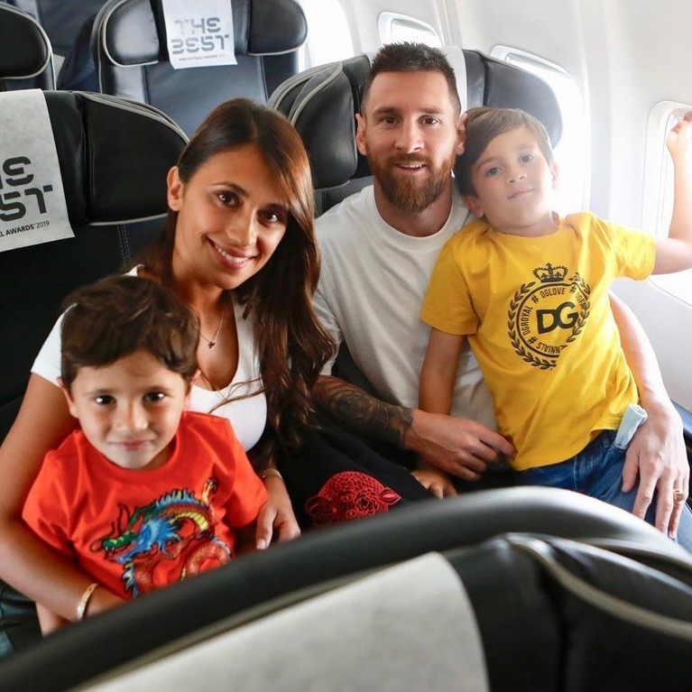 Putra ketiga Leo dan Antonella baru berusia 1 tahun yang lahir pada 2018 lalu dan diberi nama Ciro Messi Roccuzzo.