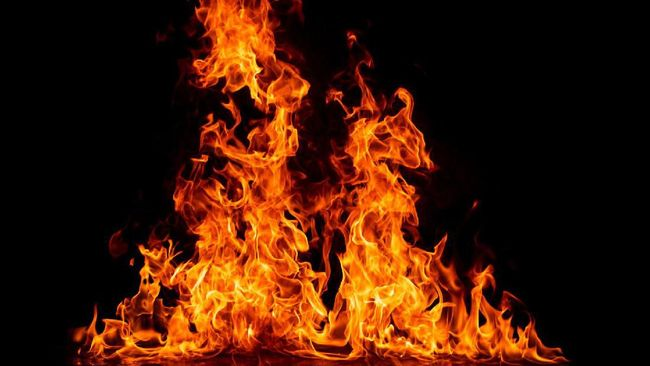 Tidak ada korban jiwa dalam peristiwa kebakaran tersebut. Namun, kerugian material ditaksir puluhan juta rupiah.