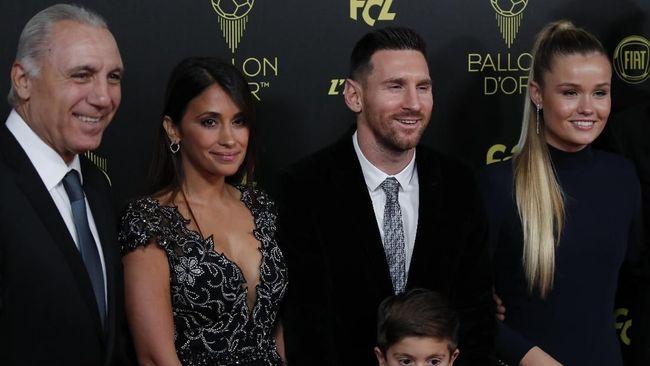 Striker Barcelona, Lionel Messi berhasil memenangkan Ballon d'Or 2019.