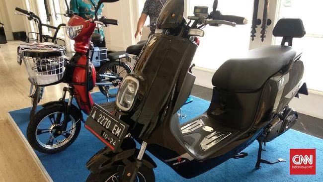 Bebas Pajak Bea Balik Nama Kendaraan Bermotor (BBN-KB) kendaraan bermotor berbasis listrik untuk wilayah DKI Jakarta berlaku sejak 15 Januari 2020.