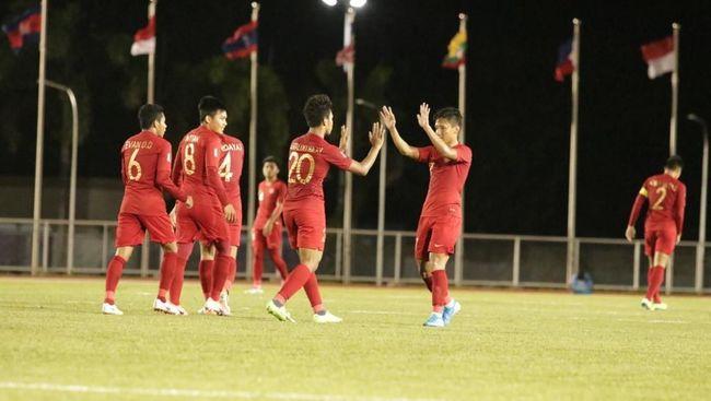 Gelandang Timnas Indonesia Evan Dimas Darmono memprediksi Laos bakal bertahan pada laga terakhir Grup B SEA Games 2019 di Stadion Imus.