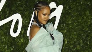Jawab Pertanyaan Fan, Rihanna Akan Merilis Lagu Baru