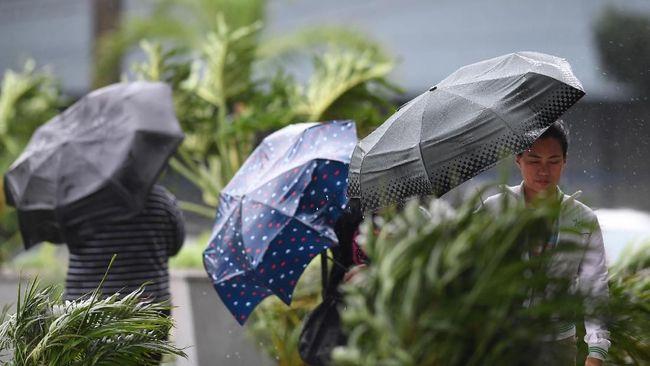 Ancaman Topan Phanfone dan Hujan Saat Libur Tahun Baru di RI