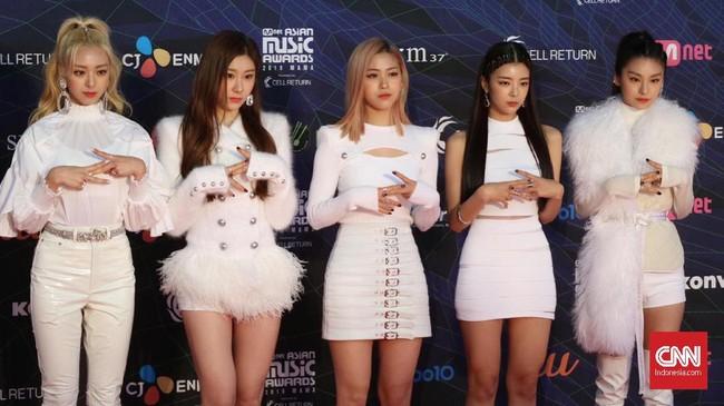 Ajang Mnet Asian Music Awards (MAMA) 2019 digelar di Nagoya, Jepang, Rabu (4/12). Sejumlah selebriti hadir dengan busana terbaiknya.