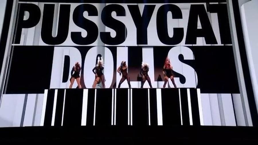 Pakai Kostum Menerawang & Ketat, Tubuh Pussycat Dolls Babak Belur
