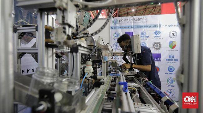 Purchasing Managers' Index (PMI) manufaktur Indonesia kembali naik pada Agustus 2021 menjadi 43,7.