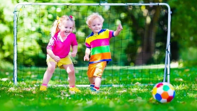 Detoksifikasi juga diperlukan anak-anak untuk menyeimbangkan gaya hidup modern.