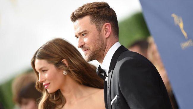 Pasangan selebritas Hollywood, Justin Timberlake dan Jessica Biel, menyambut kelahiran anak kedua mereka yang jenis kelaminnya masih dirahasiakan.