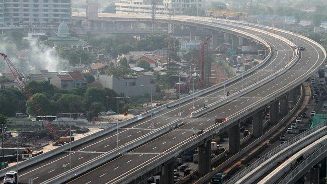 Jalan tol layang Jakarta-Cikampek (Japek) II akan beroperasi pada 20 Desember 2019, mundur dari target awal 15 Desember 2019.