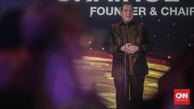 Chairman CT Corps Chairul Tanjung menyoroti dampak virus corona. Ia khawatir ekonomi RI tertekan.