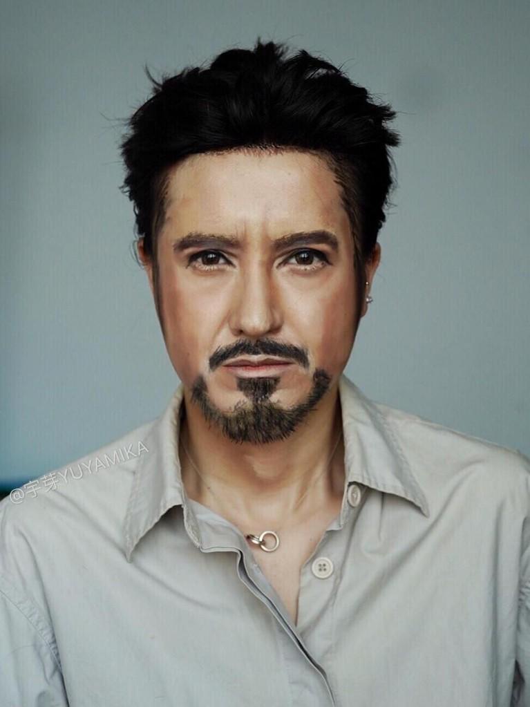 Heboh lewat video penyiksaan yang dilakukan sang pacar, ternyata He Yuhong adalah MUA hebat yang mampu tirukan berbagai wajah tokoh ternama dunia.