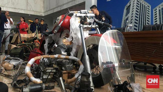 Menteri Keuangan Sri Mulyani mengungkap negara dirugikan sekitar Rp532 juta hingga Rp1,5 miliar karena penyelundupan Direktur Utama Garuda.