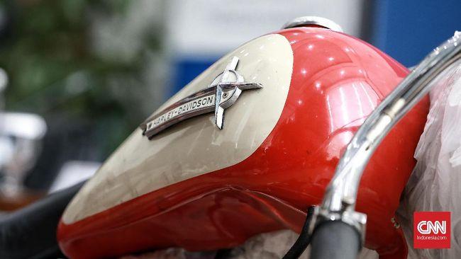 Motor 300 cc bernama QJMotor SRV300 tertangkap kamera di China, model ini merupakan hasil kerja sama Harley-Davidson dan QianJiang.