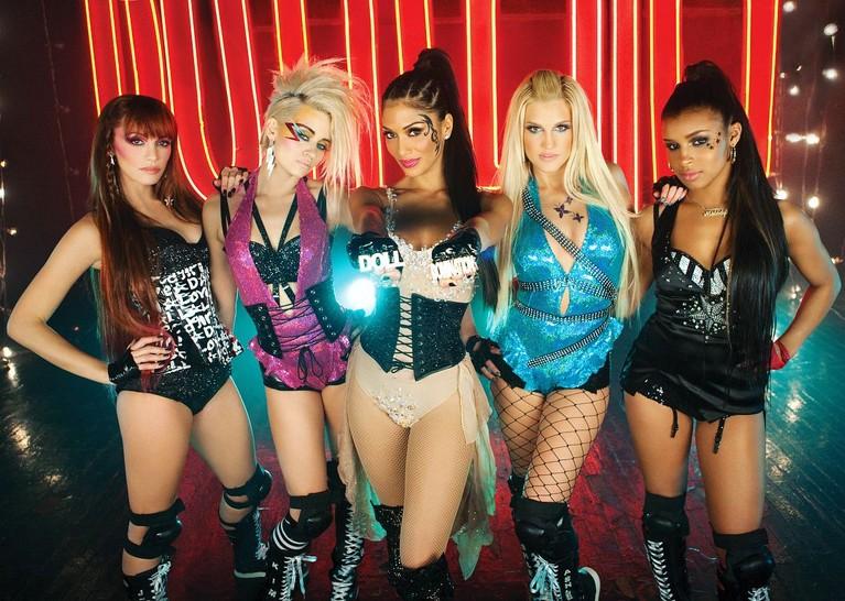 Ini dia fakta Melody Thornton, member Pussycat Dolls yang absen di tur reuni grup wanita asal Amerika Serikat tersebut.