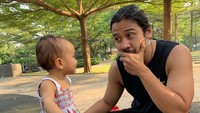<p>Ekspresi Surinala bikin ayah Chicco jadi gemas nih. (Foto: Instagram @chicco.jerikho)</p>