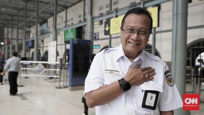 Dirut KAI Edi Sukmoro mengaku akan mematuhi perintah Menteri BUMN Erick Thohir yang berniat merombak jajaran direksi.