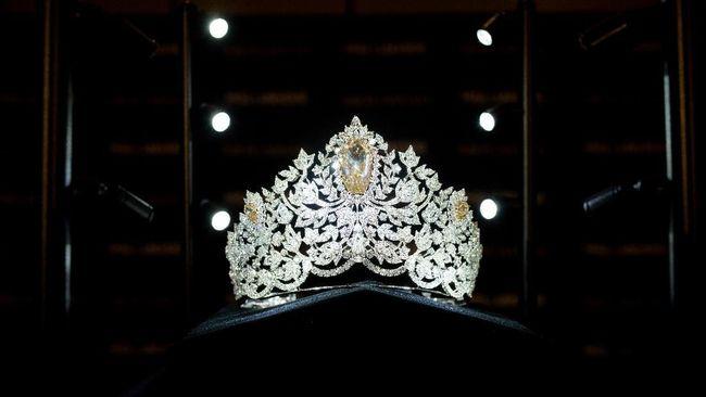 Bertabur lebih dari 1.700 berlian, mahkota Miss Universe 2019 menggambarkan ambisi dan kekuatan perempuan.