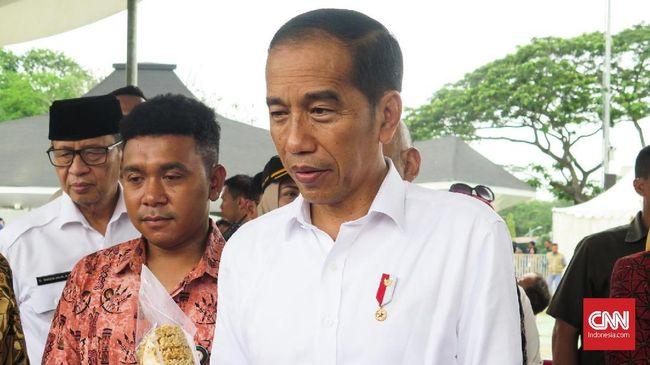 Jokowi memerintahkan para menterinya menyiapkan skema pencairan 'gaji pengangguran' dengan matang supaya Program Kartu Prakerja berhasil.