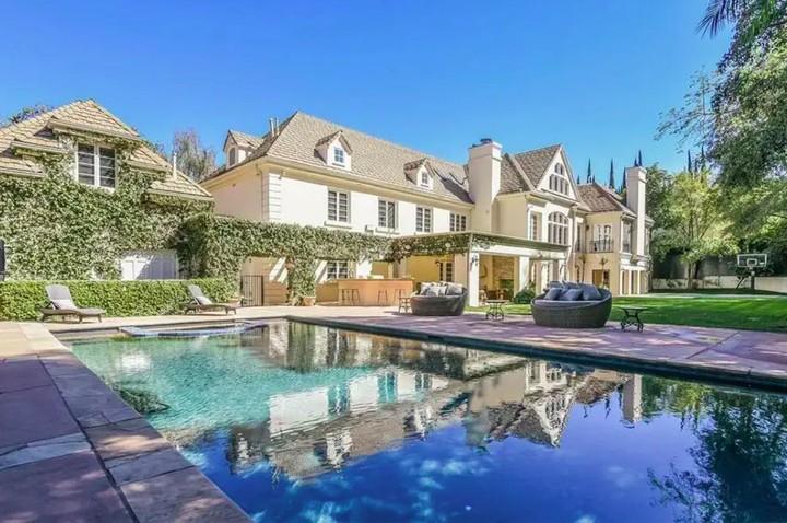 Mewah bak istana, intip isi rumah Avril Lavigne yang dijual Rp87 miliar.